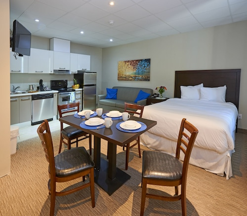 Wasaga Riverdocks Hotel Suites