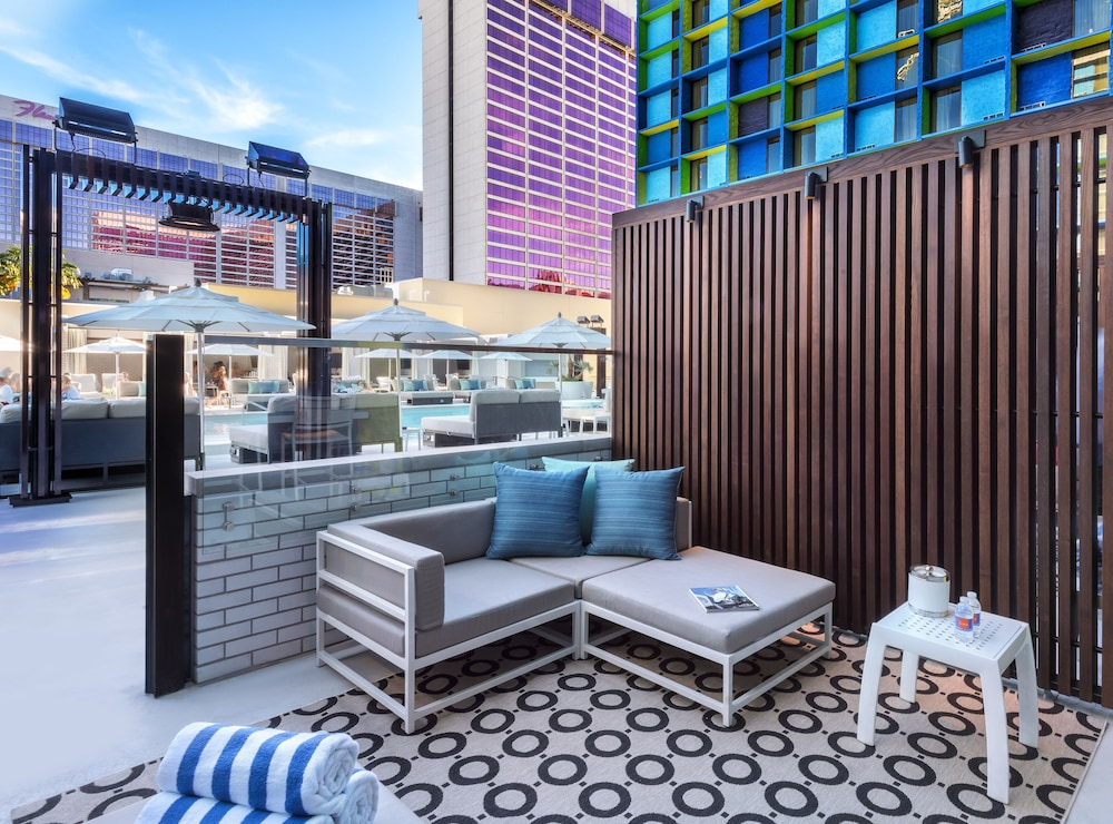 Room, The LINQ Hotel + Experience
