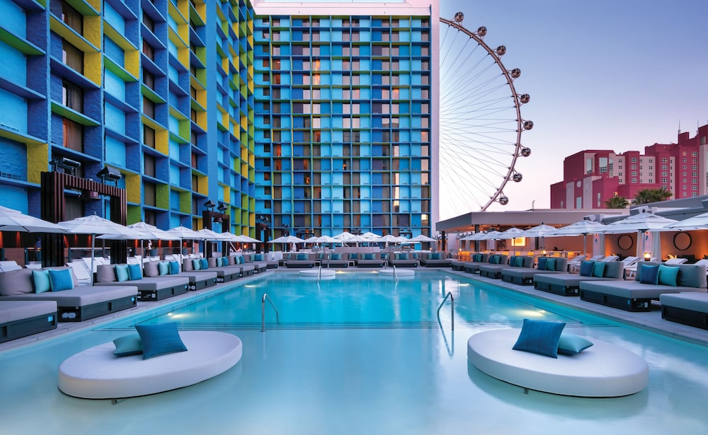 Outdoor Pool, The LINQ Hotel + Experience