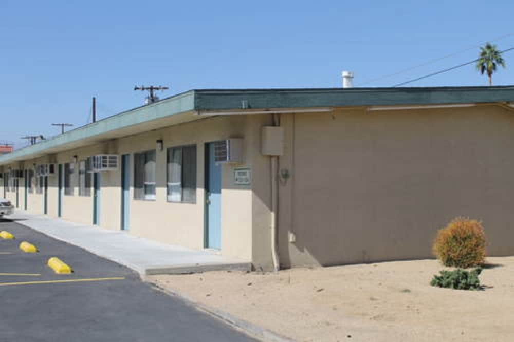 Front of Property, Indio Holiday Motel