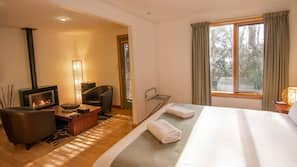 In-room safe, iron/ironing board, cots/infant beds, bed sheets