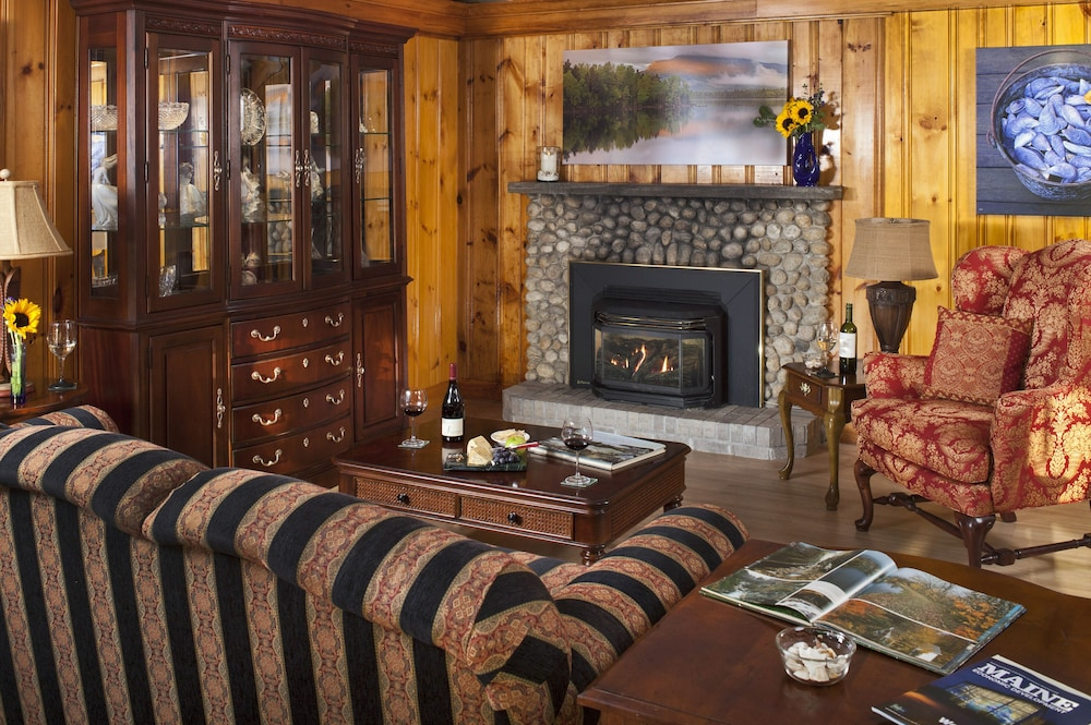 Fireplace, Wolf Cove Inn