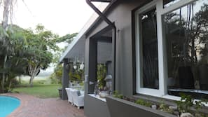 Seasonal outdoor pool, free pool cabanas, pool loungers