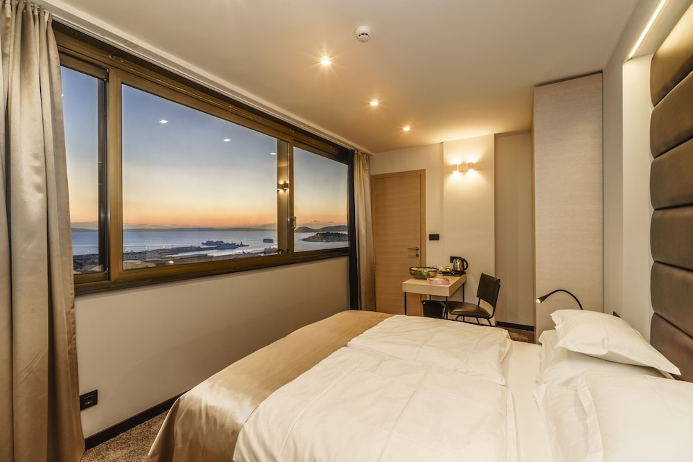Featured Image, The View Luxury Rooms