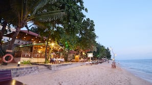 Beach nearby, beach bar