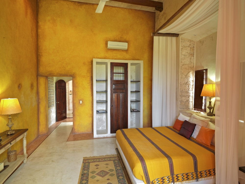 Room, Hacienda Sacnicte