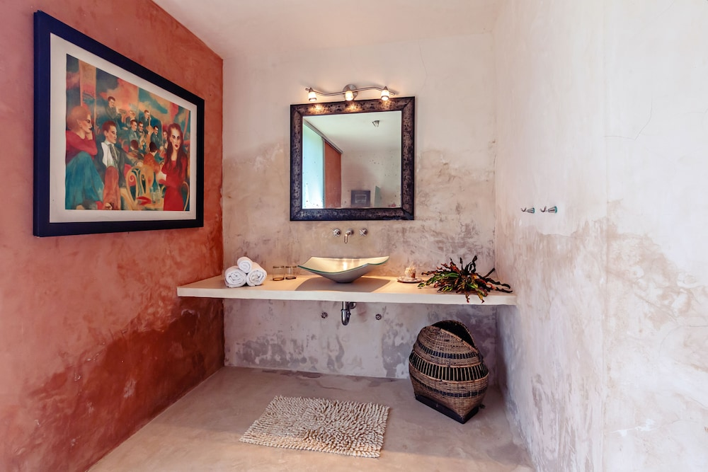 Bathroom, Hacienda Sacnicte