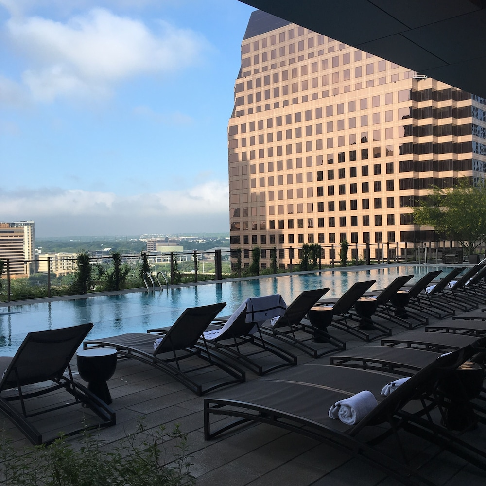 Outdoor Pool, JW Marriott Austin