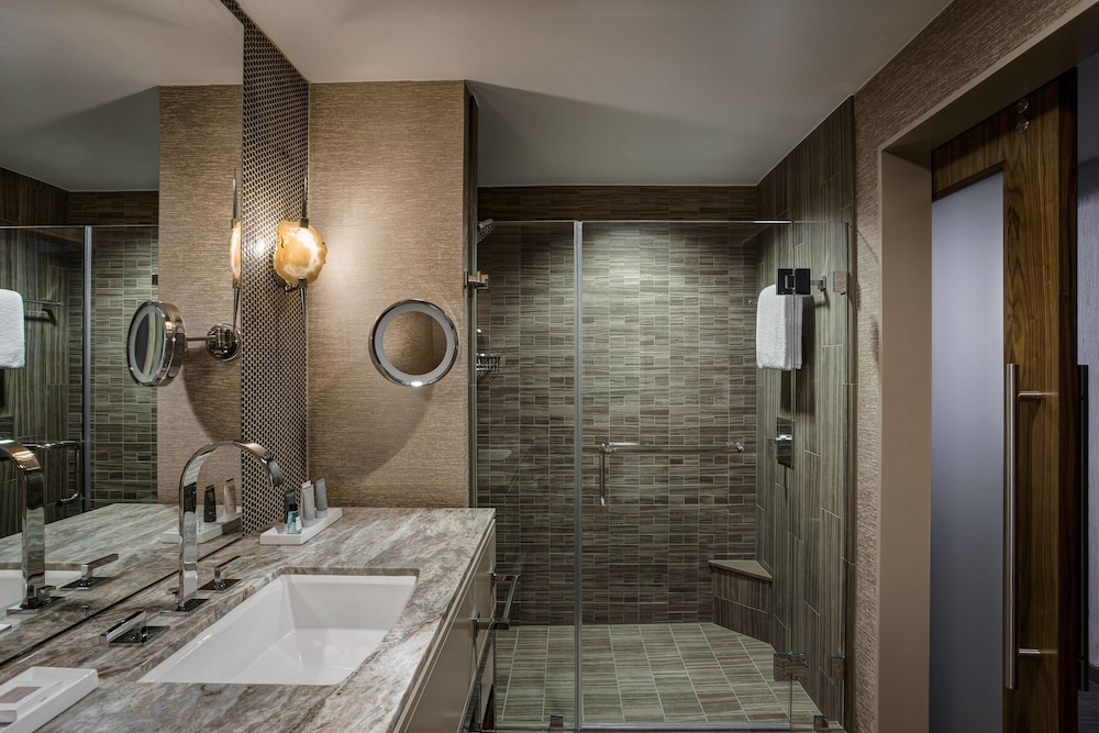 Bathroom, JW Marriott Austin