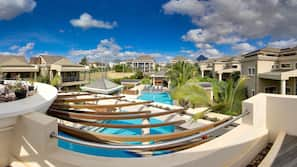 Outdoor pool, open 8:00 AM to 7:00 PM, sun loungers