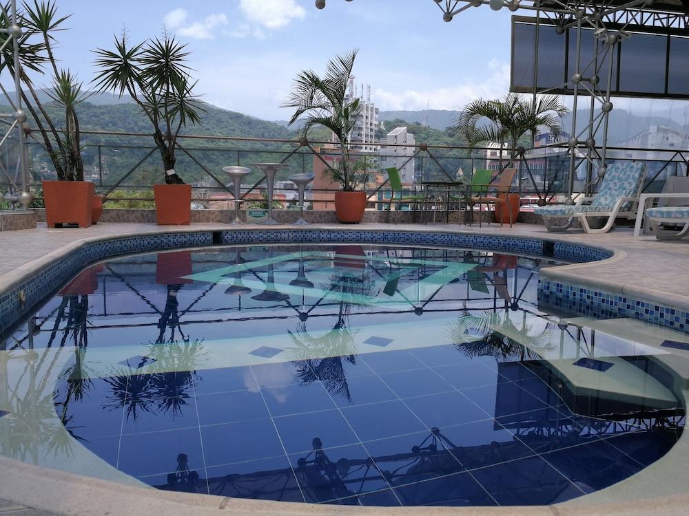 Hotel villavicencio plaza precios promociones y for Costo piscina coperta al coperto