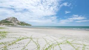 海灘、白沙、沙灘巾
