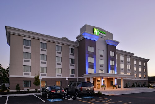 Holiday Inn Express & Suites West Ocean City, an IHG Hotel