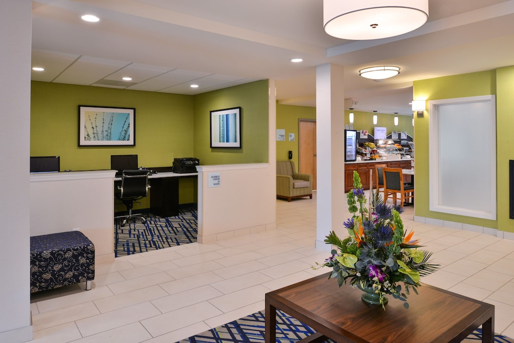 Lobby, Holiday Inn Express & Suites West Ocean City