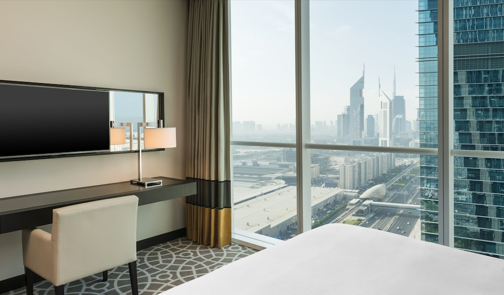 Sheraton grand hotel reviews photos rates for Nice hotels in dubai