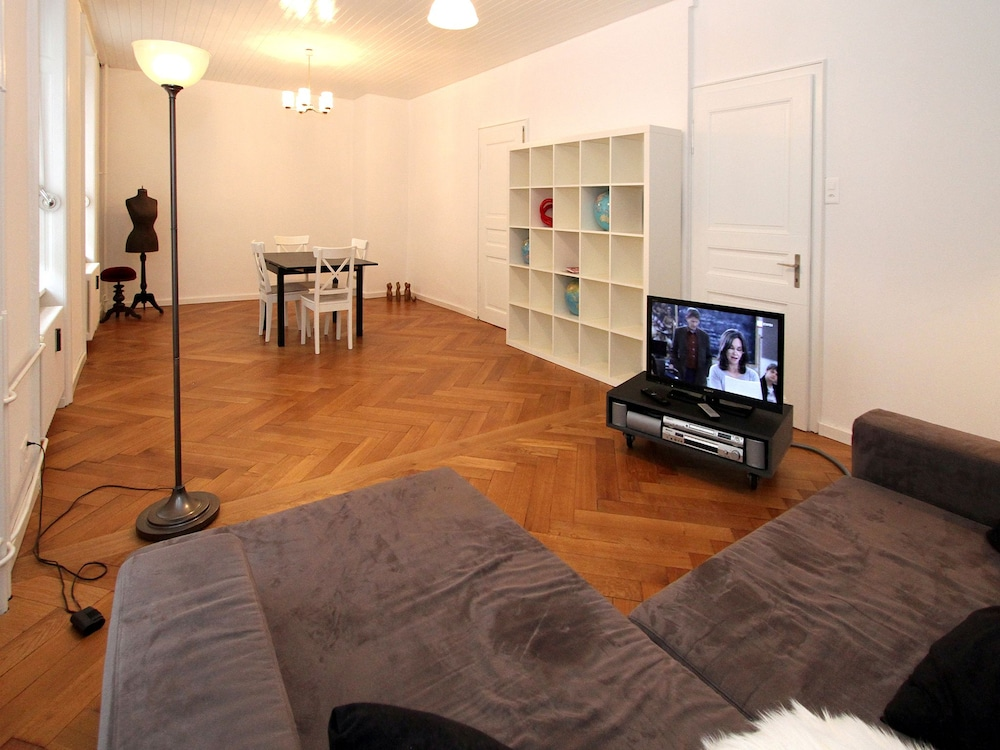 Living Area, Apartments Spalenring10