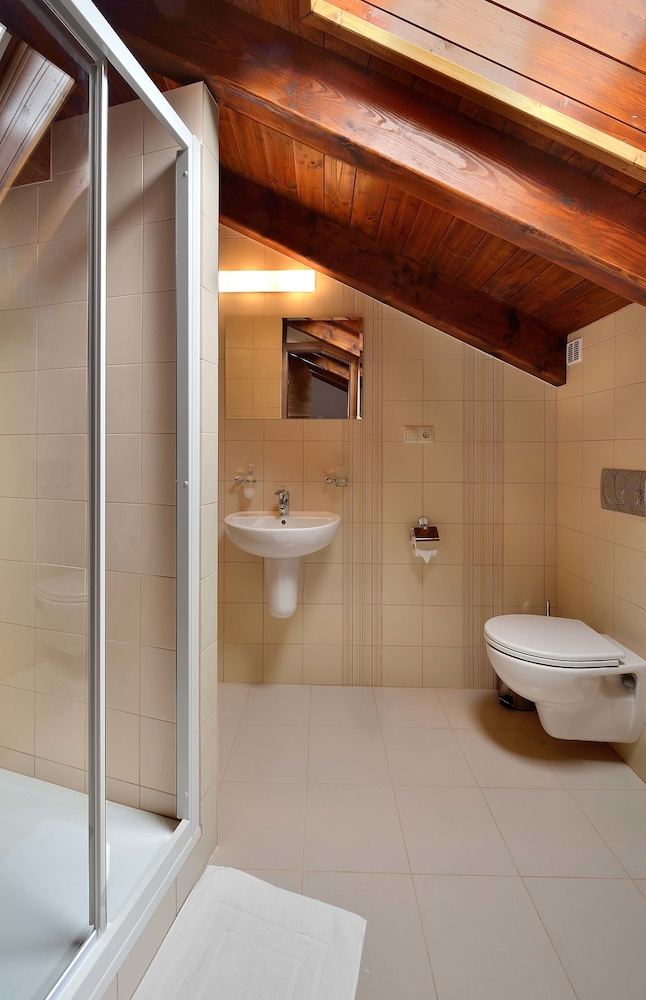 Bathroom, Villa Gardenia