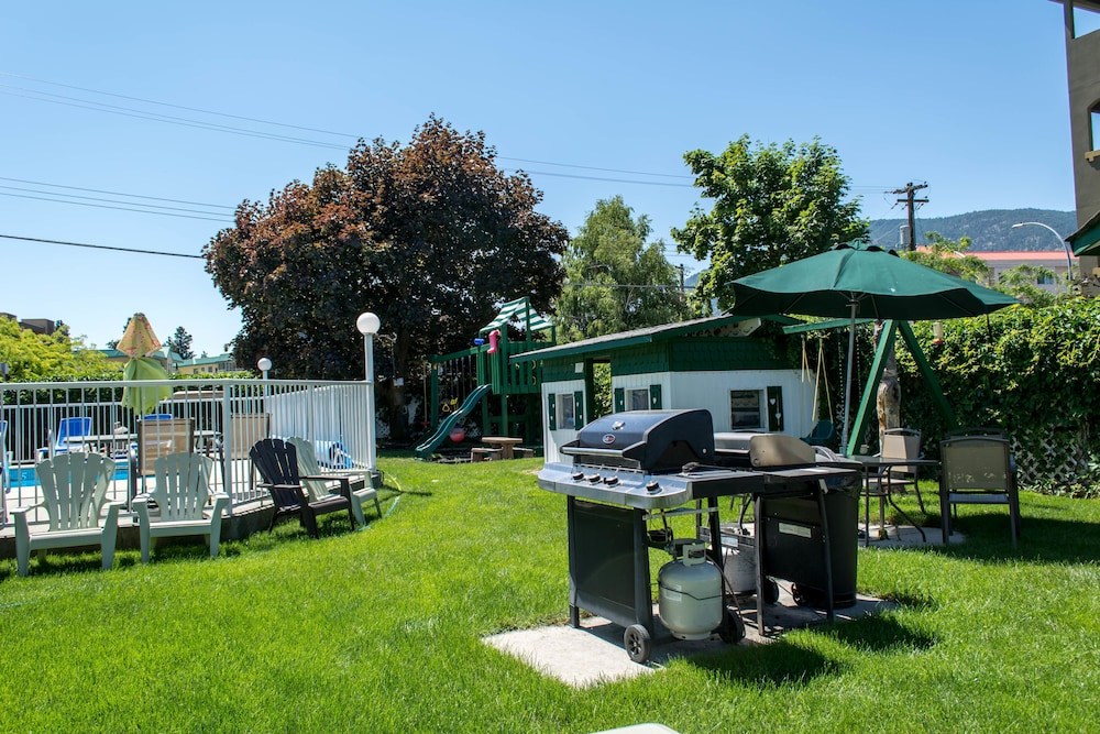 BBQ/Picnic Area, Empire Motel
