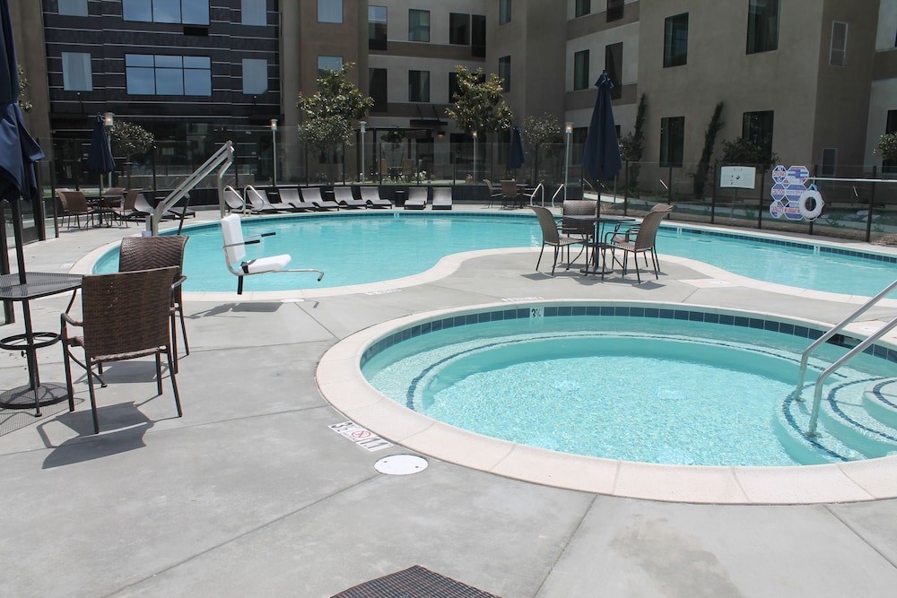 Pool, Holiday Inn Carlsbad