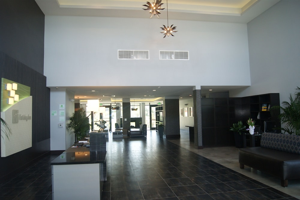 Lobby, Holiday Inn Carlsbad
