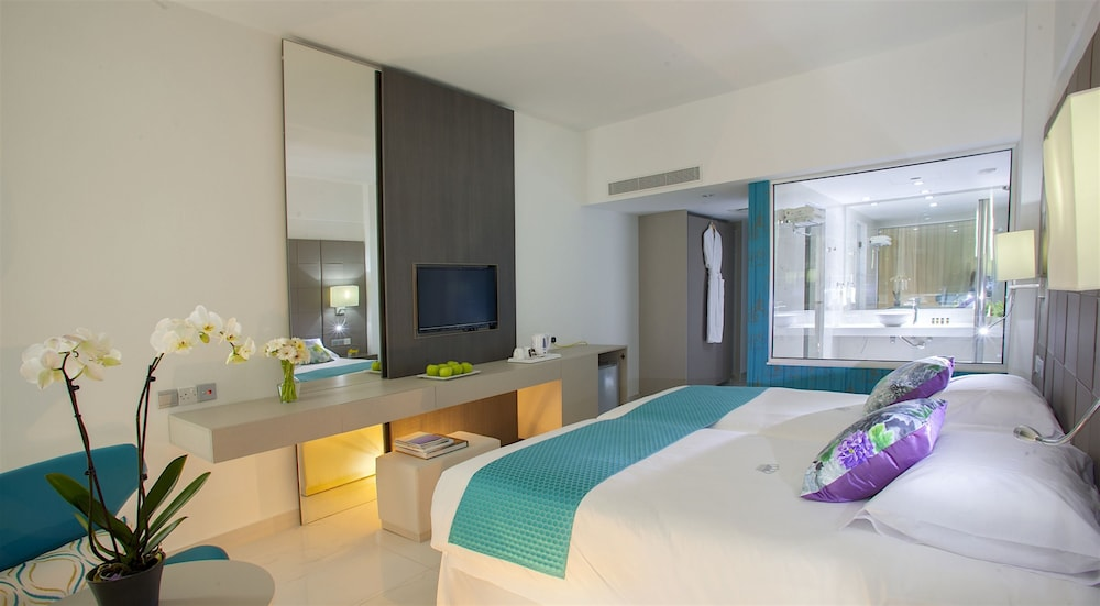 Room, King Evelthon Beach Hotel & Resort