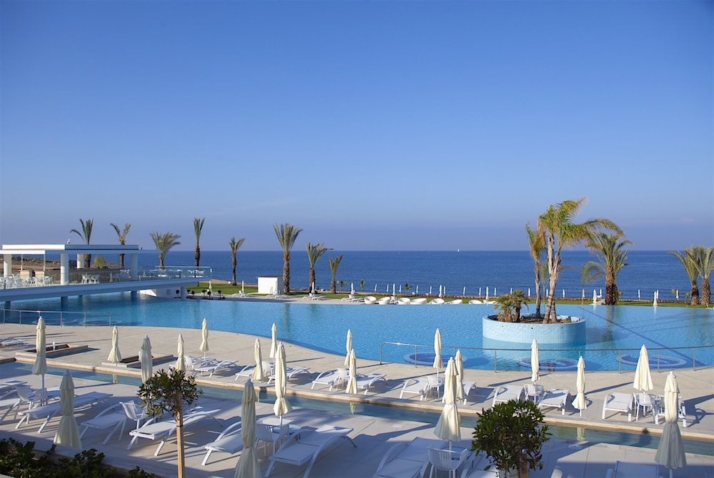 Outdoor Pool, King Evelthon Beach Hotel & Resort