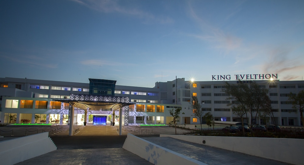 Exterior, King Evelthon Beach Hotel & Resort