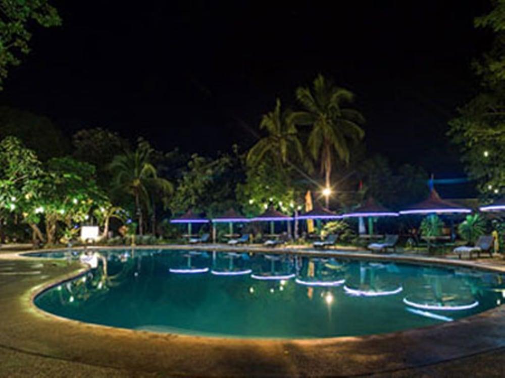 Matabungkay Beach Hotel In Lian
