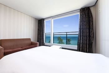 Family Quadruple Room, Multiple Beds, Ocean View, Beachfront - Guestroom View