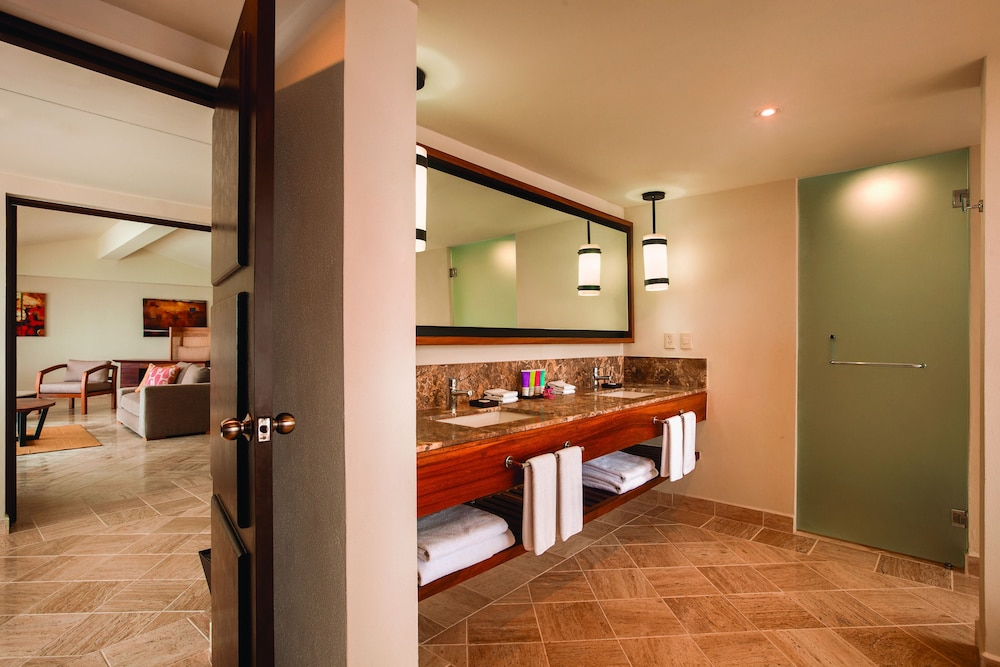Bathroom, Hyatt Ziva Puerto Vallarta - All Inclusive