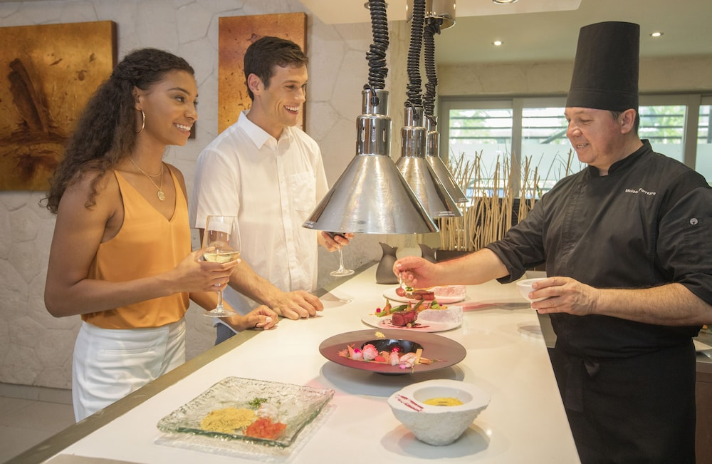 Food and Drink, Hideaway at Royalton Riviera Cancun Adults Only - All Inclusive