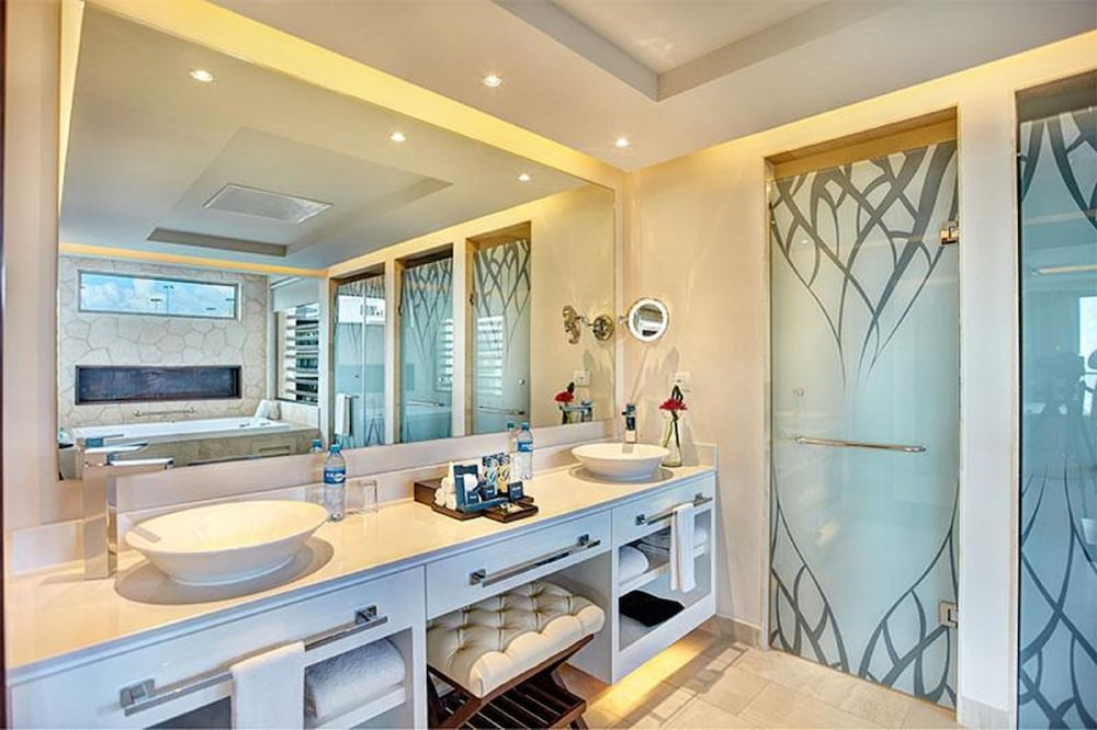 Bathroom, Hideaway at Royalton Riviera Cancun Adults Only - All Inclusive