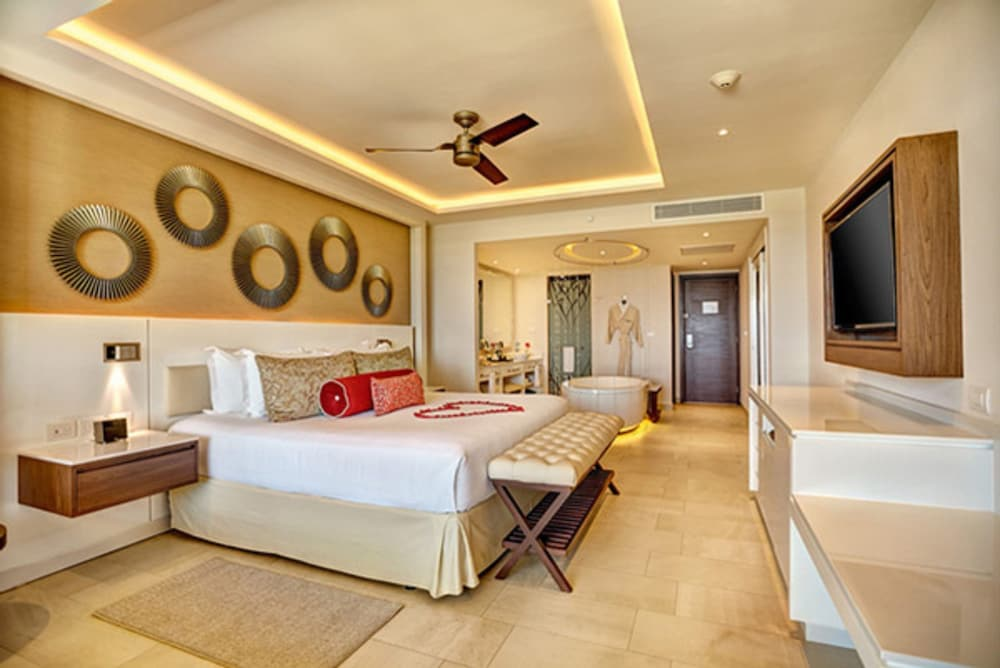 Room, Hideaway at Royalton Riviera Cancun Adults Only - All Inclusive