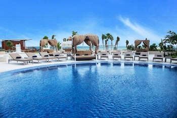 Hideaway at Royalton Riviera Cancun All Inclusive - Adults Only