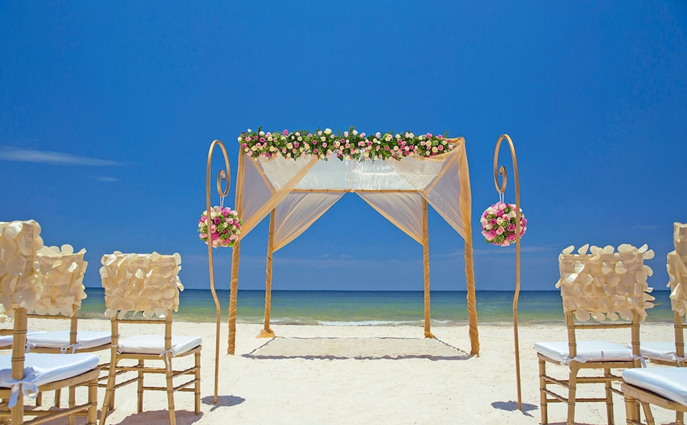 Outdoor Wedding Area, Hideaway at Royalton Riviera Cancun Adults Only - All Inclusive
