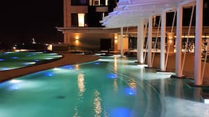 Outdoor pool, open 6:00 AM to 10:00 PM, free pool cabanas, pool loungers