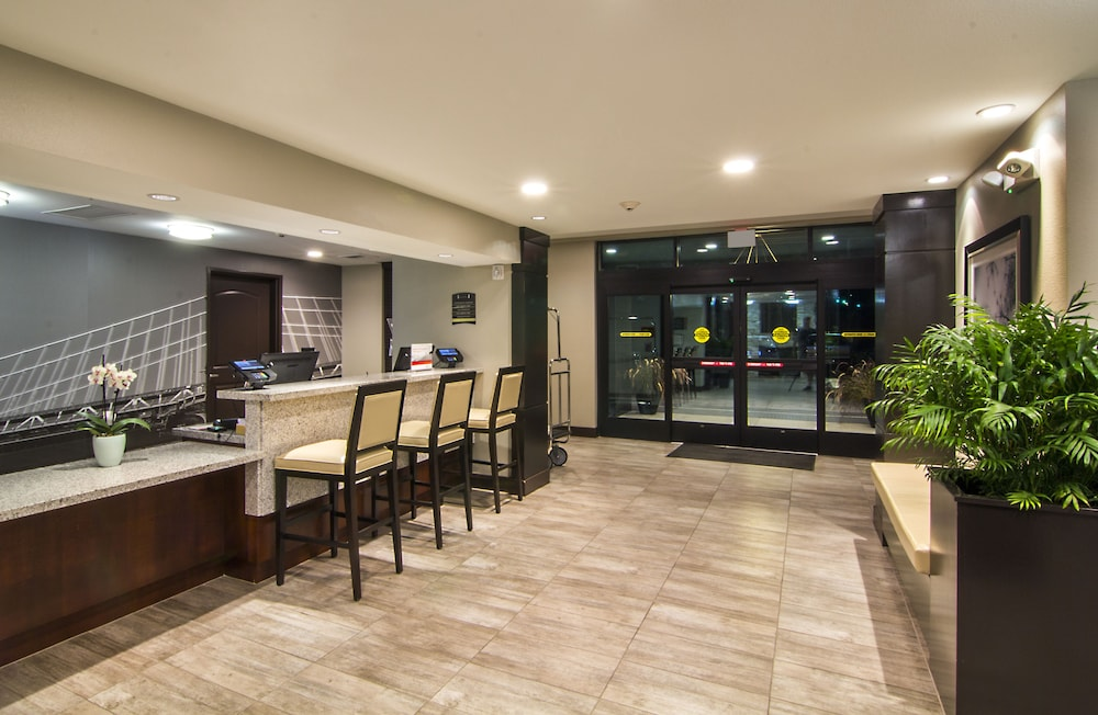 Lobby, Staybridge Suites Carlsbad