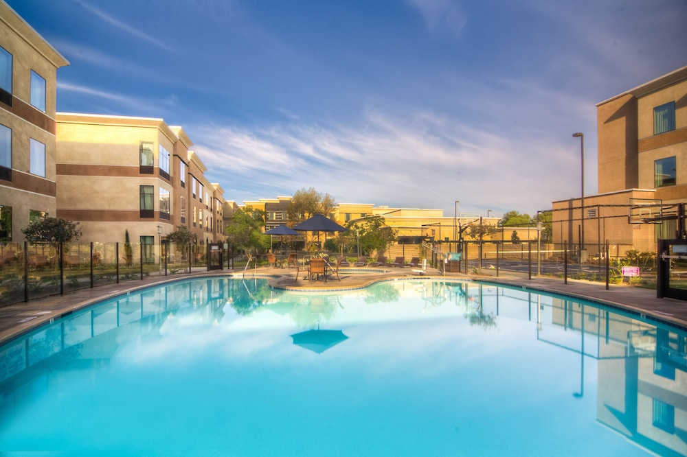 Pool, Staybridge Suites Carlsbad