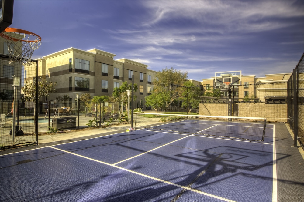 Basketball Court, Staybridge Suites Carlsbad