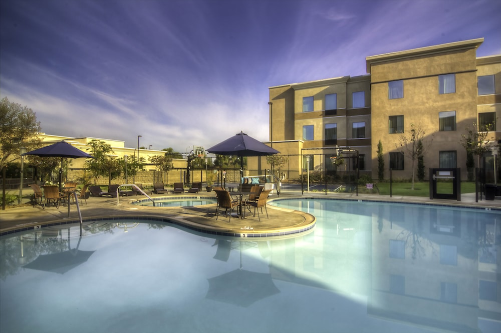 Outdoor Pool, Staybridge Suites Carlsbad