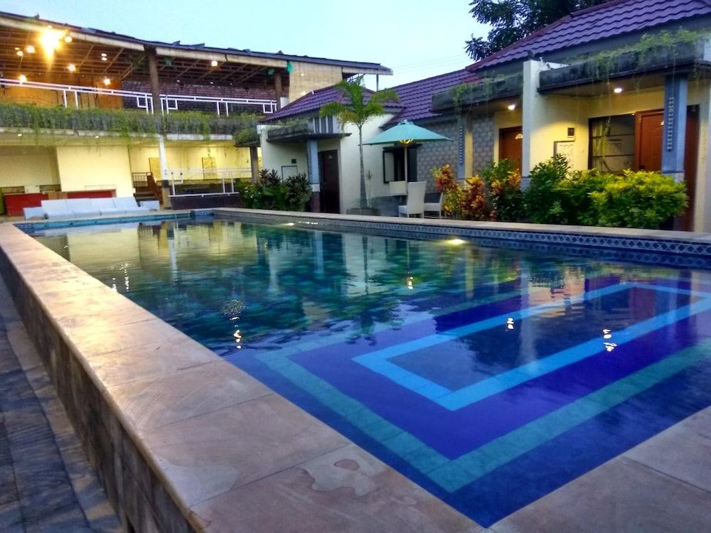 Hawaii Bali Villa In Denpasar Hotel Rates Reviews On Orbitz