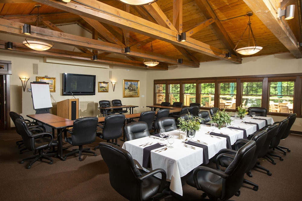 Dining, Rockwell Lake Lodge