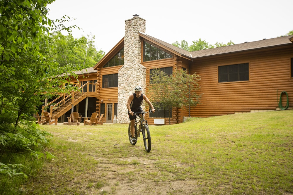 Bicycling, Rockwell Lake Lodge