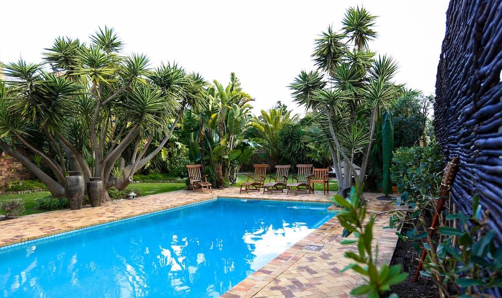 Book secret garden guesthouse cape town hotel deals for Secret garden pool novaliches