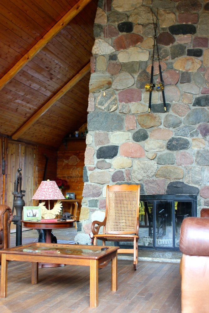Lobby Lounge, Aubert Den Lodge