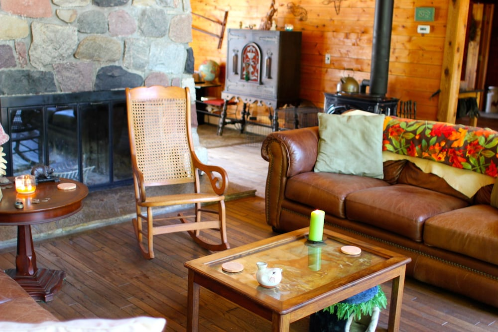 Lobby Sitting Area, Aubert Den Lodge