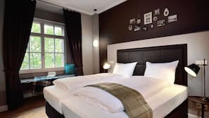 Hochwertige Bettwaren, Zimmersafe, Schreibtisch, schallisolierte Zimmer