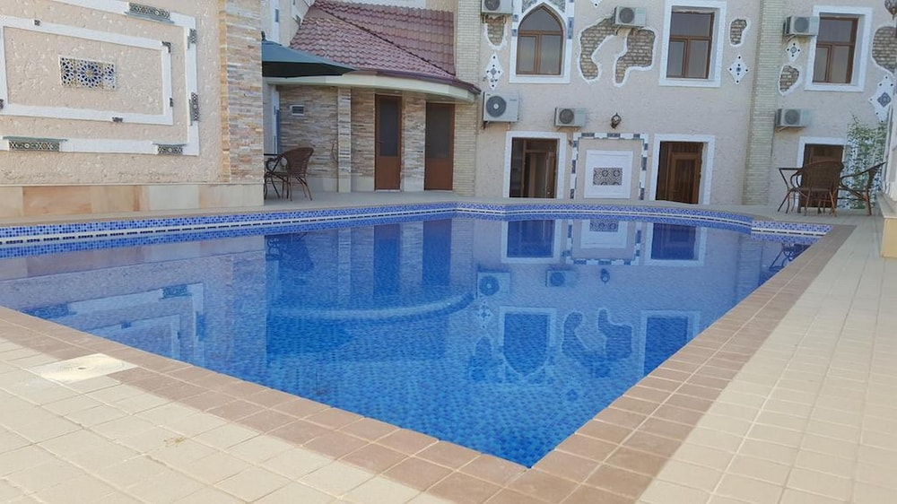 Outdoor Pool, Emirhan