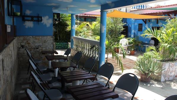 Garden views, serves lunch, dinner, and brunch