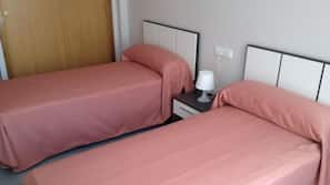 Premium bedding, in-room safe, cribs/infant beds, rollaway beds